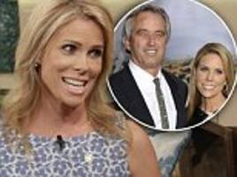 cheryl hines opens up about hilarious first meeting between mother and now husband robert f. kennedy jr.